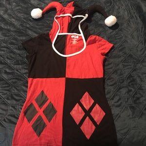 🎉4️⃣ for 3️⃣5️⃣ Harley Quinn tee with hood